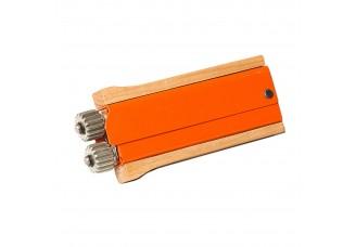 Napínák drátu s dřevěnou rukojetí